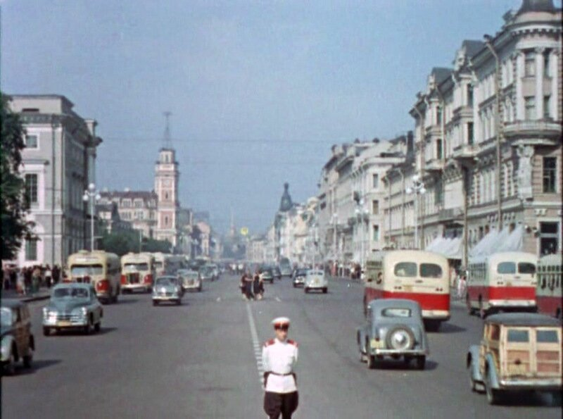 Ленинград 1957 года из фильма Улица полна неожиданностей
