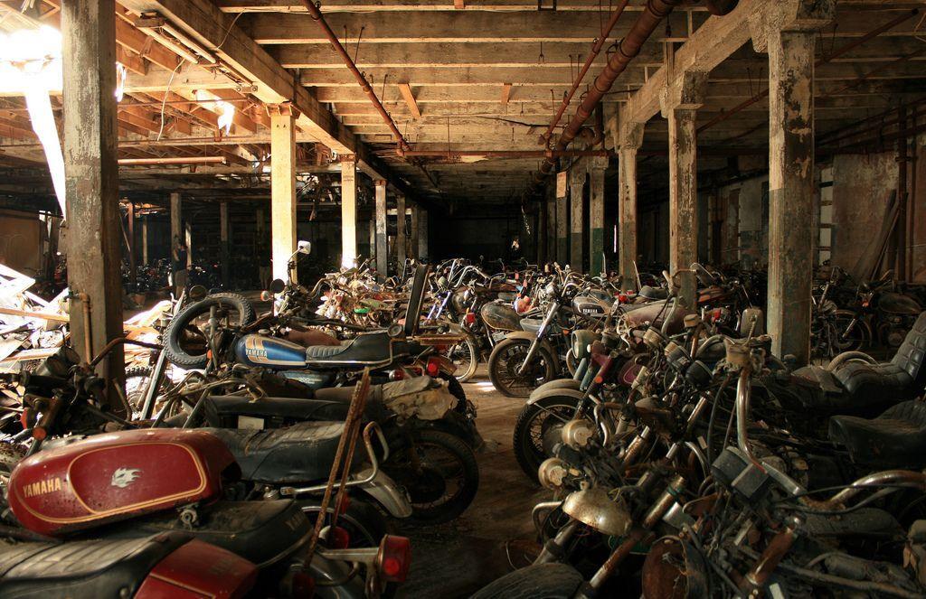 Заброшенное кладбище мотоциклов