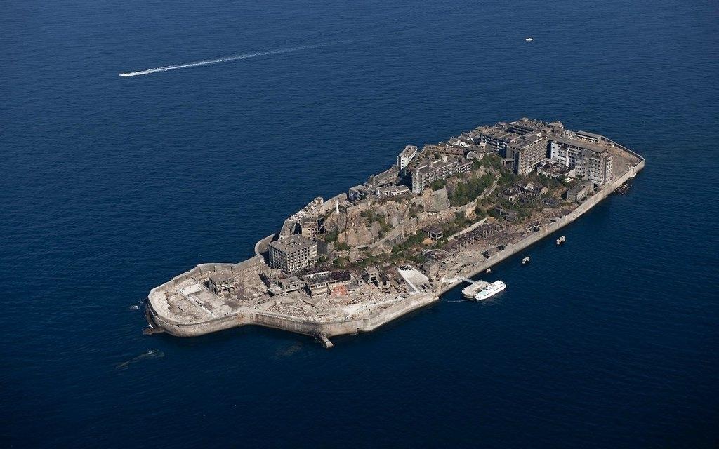 Хасима - заброшенный остров в тихом океане