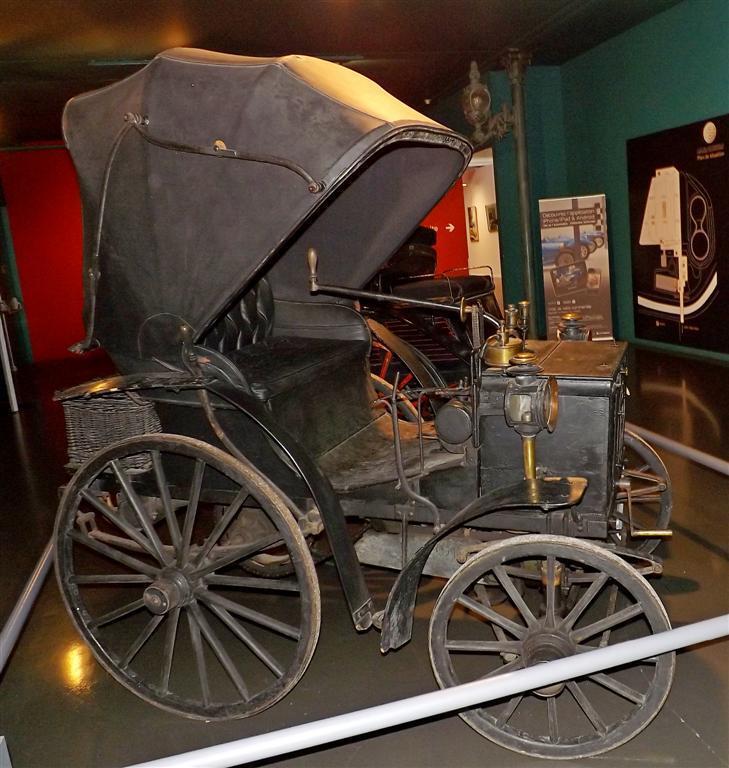 Cамый большой автомобильный музей в Европе