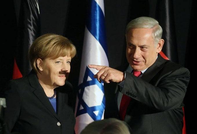 """Фото """"усатой"""" Ангелы Меркель стало хитом в Интернете"""