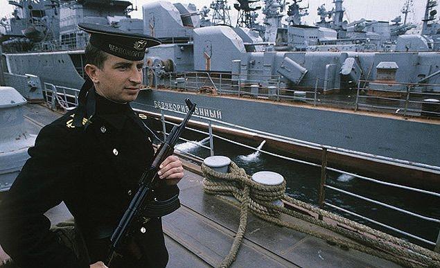 Как Украина отжимала у России корабли  в 1990-х годах