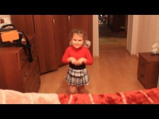 Рита танцует