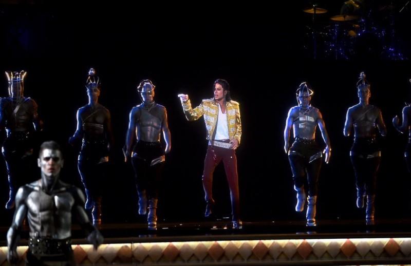Голографическое выступление Майкла Джексона на премии Billboard Music