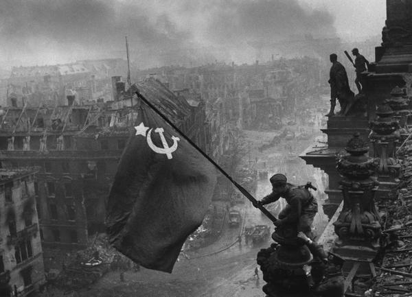 Как победу над фашистской Германией воспринимают в России и на Западе