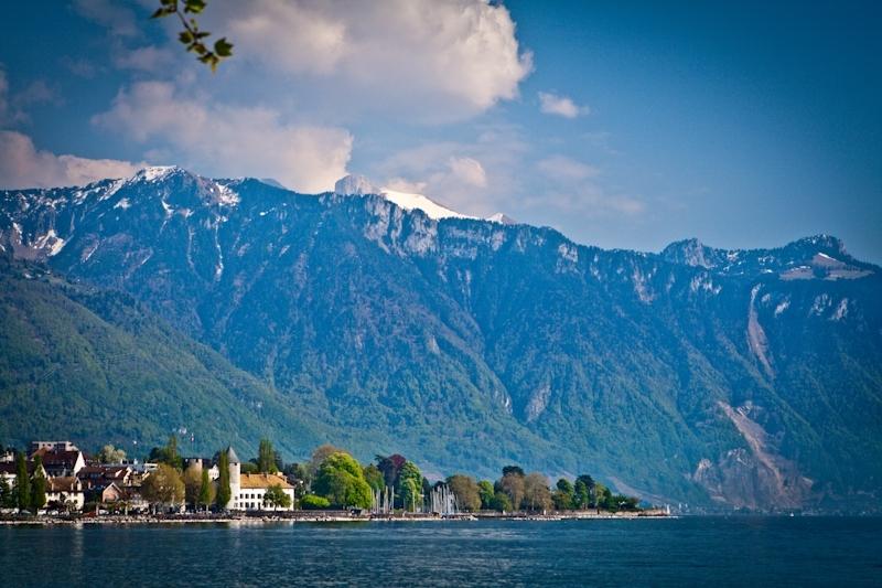 Vevey (Вевей). Озеро Леман (Швейцария) и торчащая вилка.