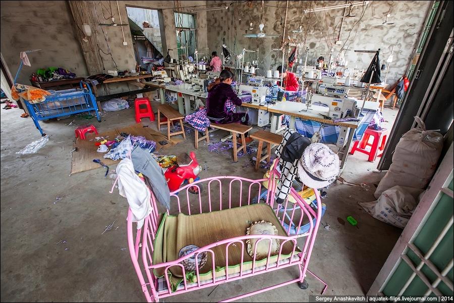Небольшая китайская фабрика по производству детской одежды