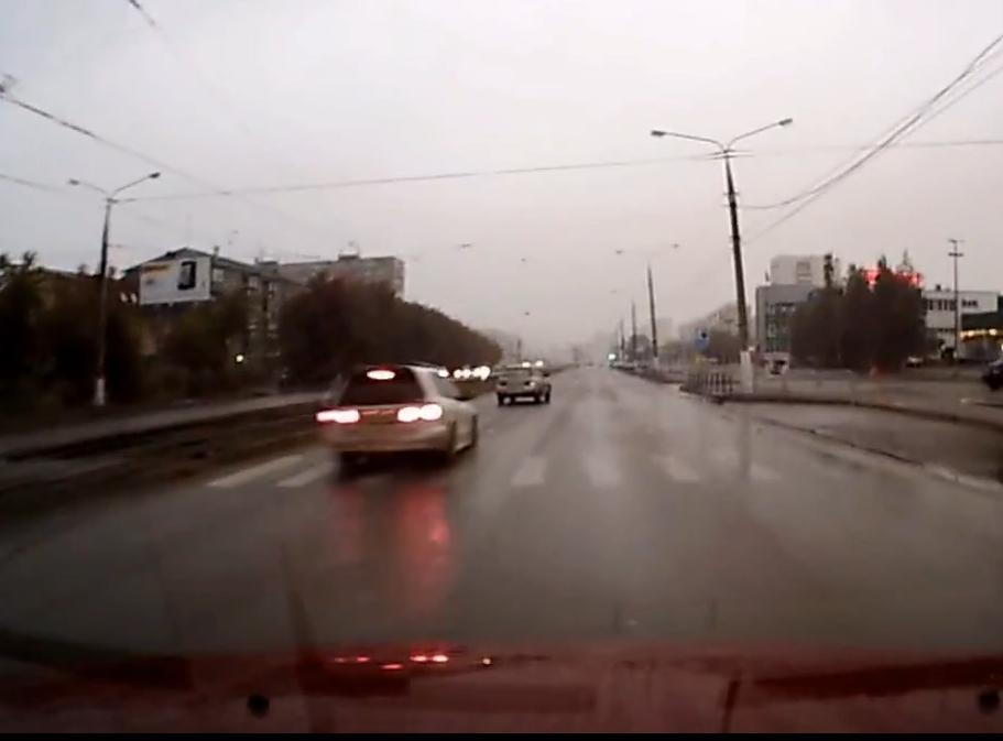 Пьяный водитель протаранил ВАЗ.