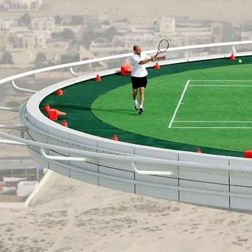 Теннисный корт на крыше отеля в Дубае