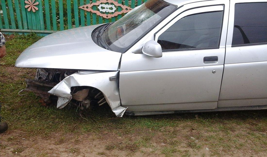 Уснувший водитель наехал на отбойник