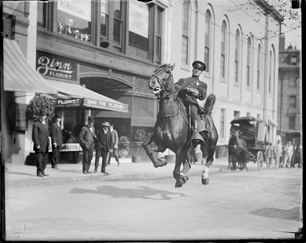 Фотографии из архива бостонской полиции