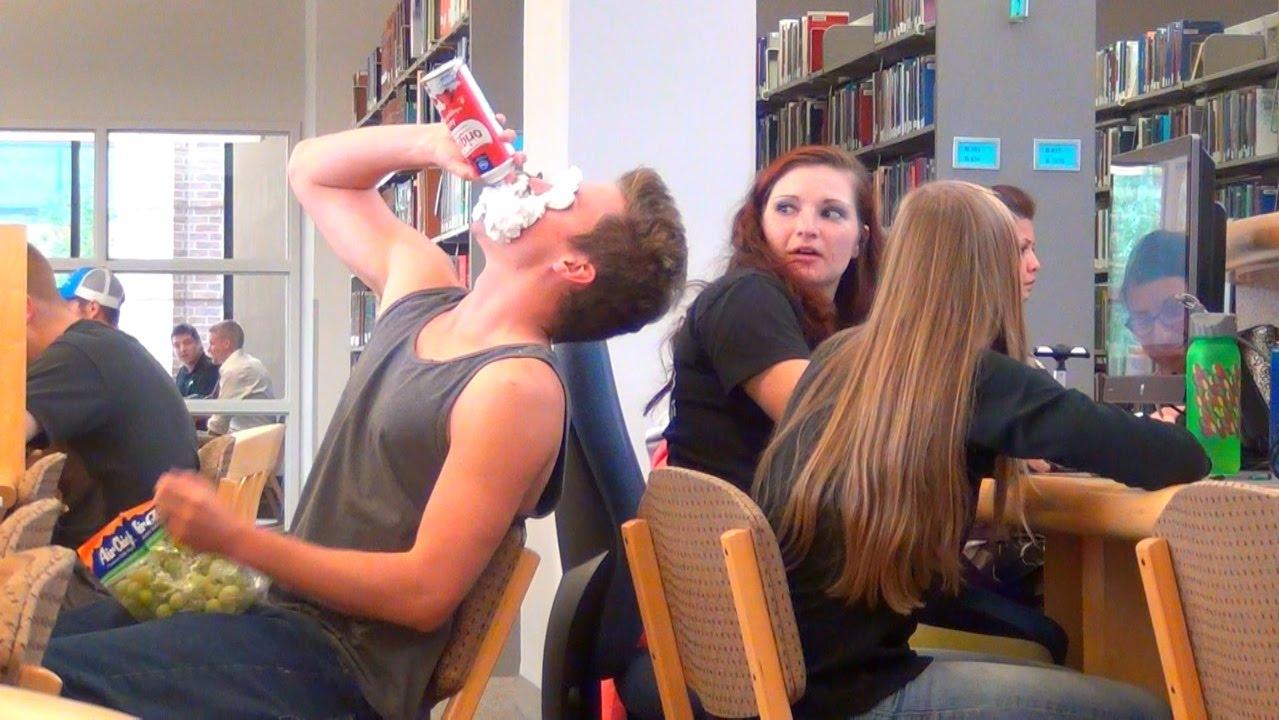 Пранкеры в библиотеке