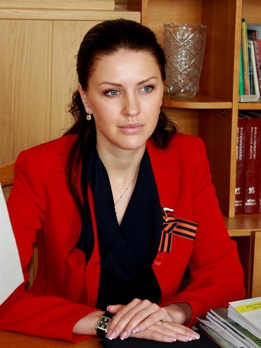 Самые красивые женщины-депутаты Госдумы РФ