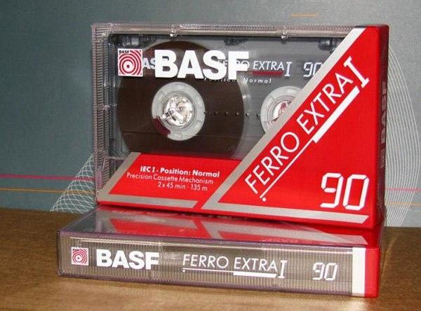 Кто помнит запах новой японской аудиокассеты?