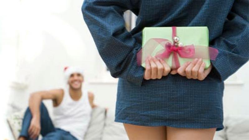 Что подарить мужчине к празднику. Советы самих мужчин