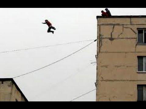 Нeудачная попытка девушки спрыгнуть с 9 этажа!