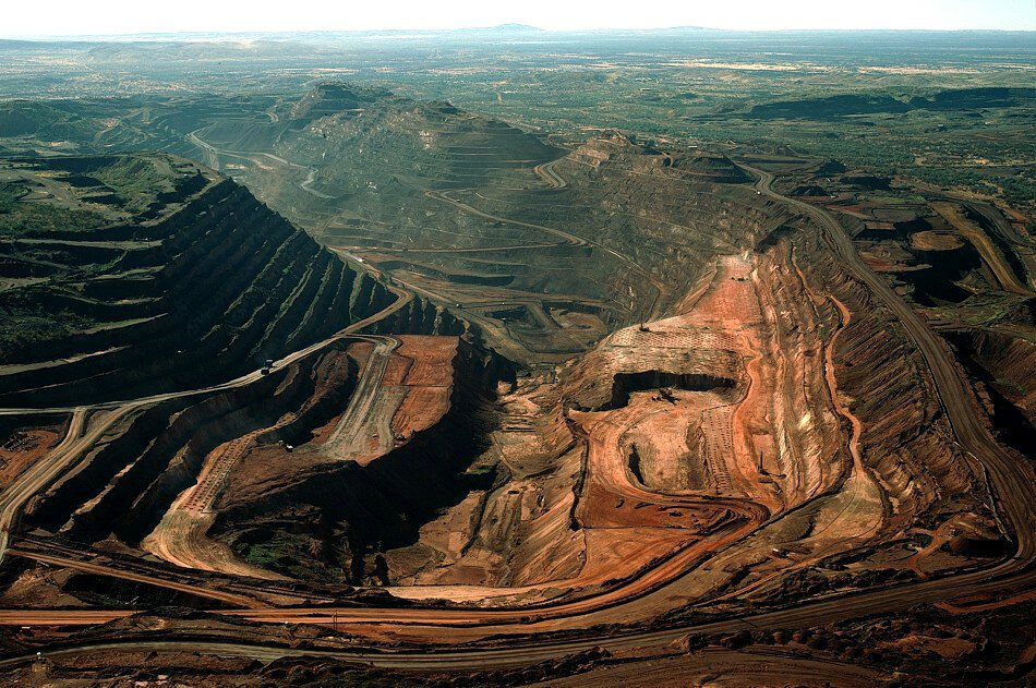 Откуда на земле столько нефти,газа,угля?