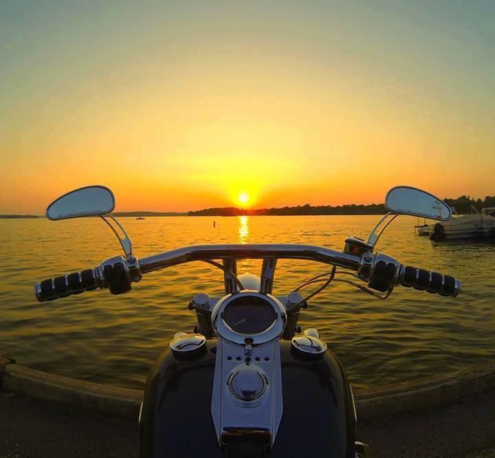 Доброе утро и добрый вечер с Harley-Davidson
