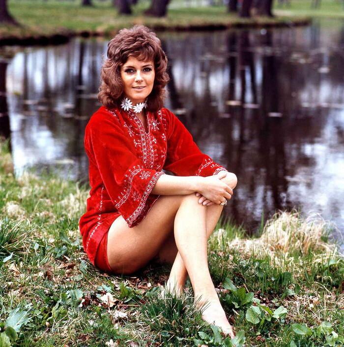Непростая жизнь темноволосой солистки группы ABBA Анни-Фрид Лингстад