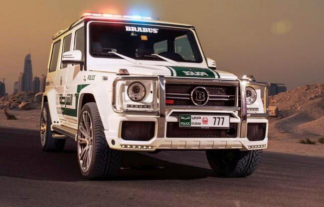Автопарк полиции Дубая: внедорожники и суперкары