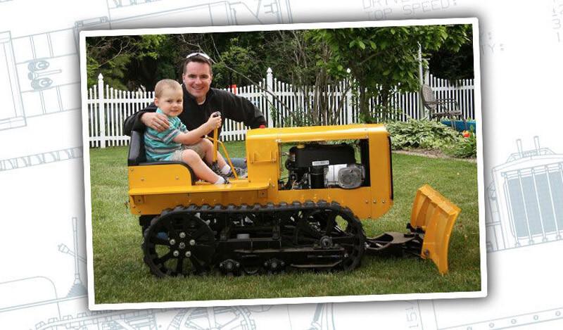 Отец построил мини-бульдозер для своего сына