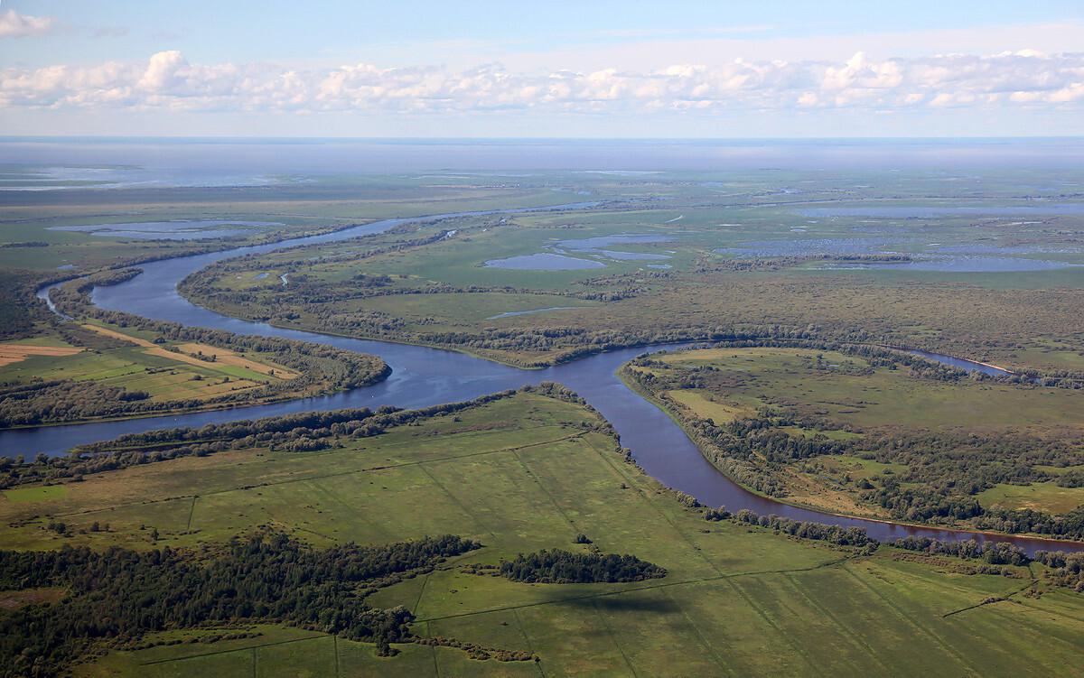 Топ-10 самых больших озер в России