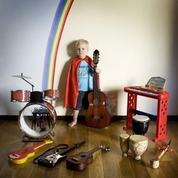 18 месяцев итальянский фотограф Габриэле Галимберти фотографировал дет