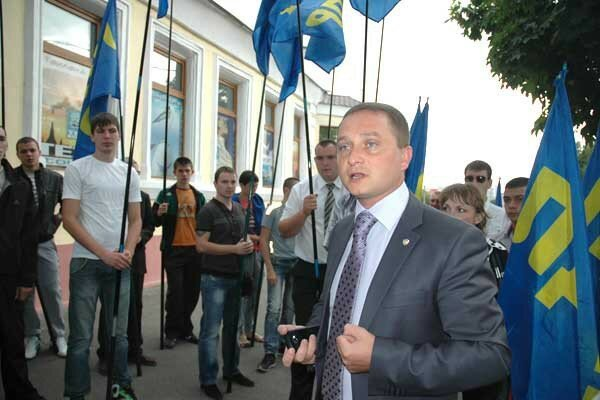 ЛДПР предлагает запретить въезд «отморозку Яценюку» и «врагу Байдену»