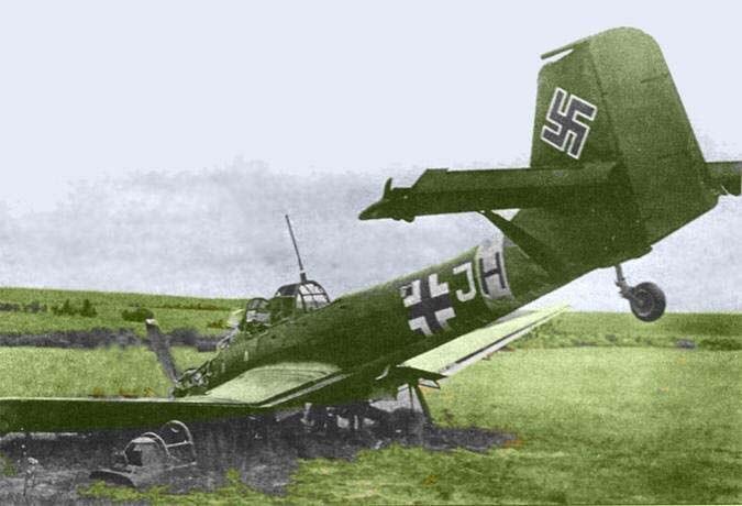 Сбил гранатой бомбардировщик Ju-87