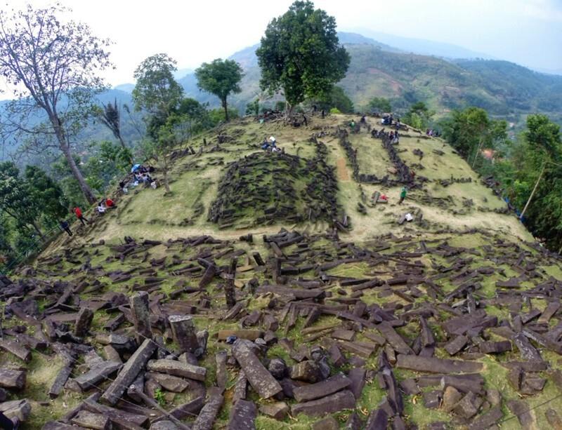 Археологический комплекс Гунунг Паданг, Индонезия