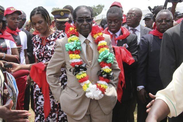 Роберт Мугабе предложил Бараку Обаме выйти за него замуж !
