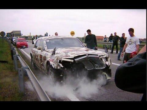 Жесткие аварии на гонках с замедленным повтором