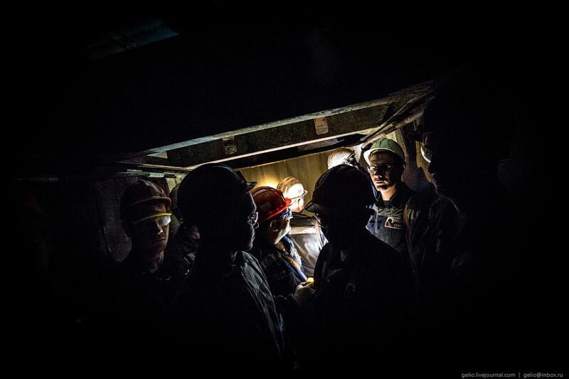 Добыча бокситов в шахте «Кальинская» и шахта «Черёмуховская-Глубокая»
