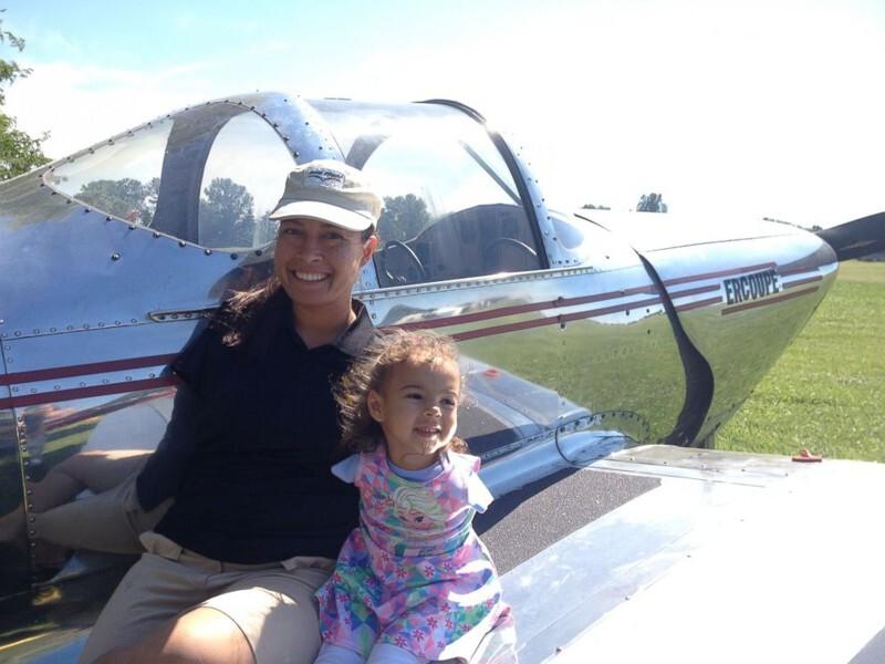 Первая в мире женщина-пилот без рук