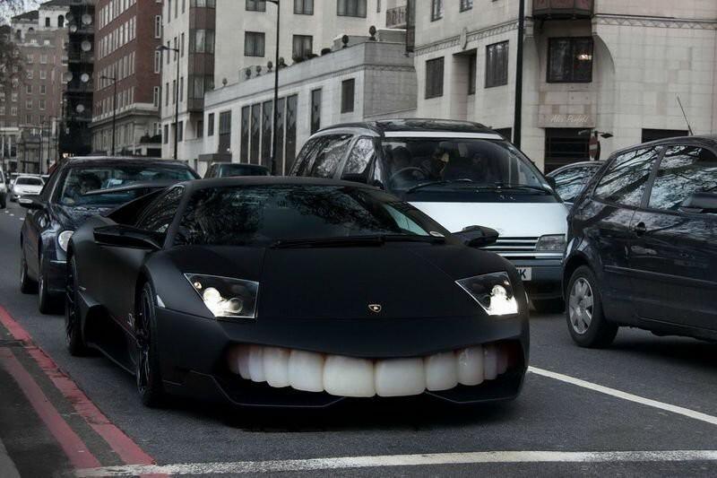 Удивительное зубастое авто