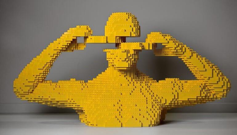 20 самых крупных скульптур из Lego