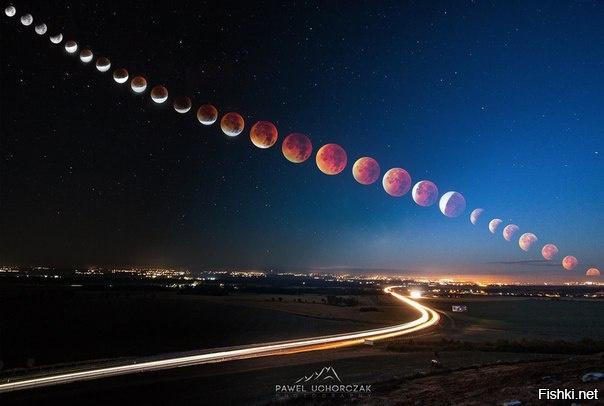 """Несколько фотографий """"Кровавой луны"""", объединенных в одну"""