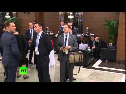 Мужчина пытался подслушать, о чем говорили Путин и Обама на G20
