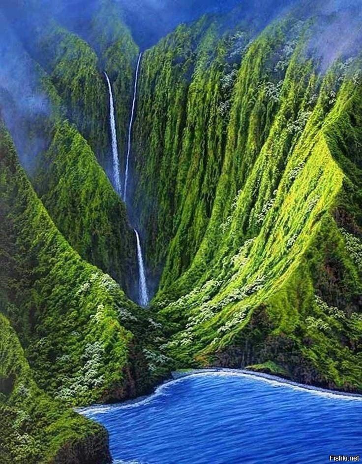 Водопад на острове Молокаи, штат Гавайи
