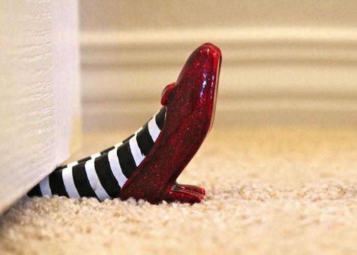 34 забавных ограничителя для дверей, которые сделают вашу жизнь более открытой