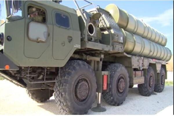 ЗРК С-400 заступил на боевое дежурство по противовоздушной обороне на авиабазе Хмеймим