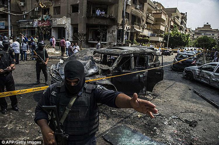 Я не боюсь терактов и спокойно еду в страну, где погибли туристы. Но ситуация в Египте меня напрягла