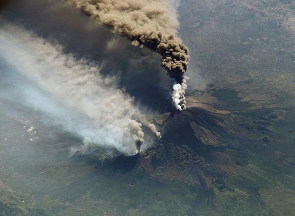 Самые сильные извержения вулканов: вид из космоса