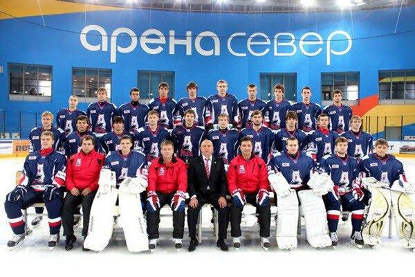 Игроки хоккейной команды «Красноярские рыси», МХЛ, избили своего главного тренера