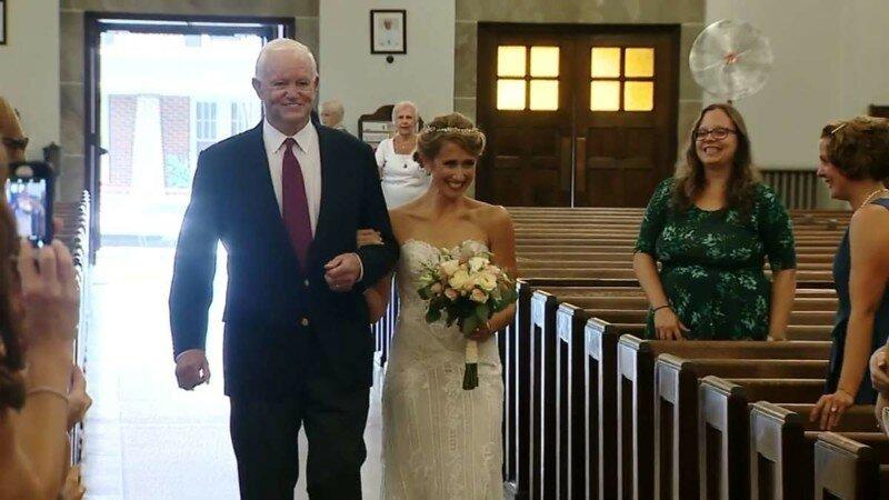 Невесту отвел к алтарю мужчина, которому пересадили сердце ее отца