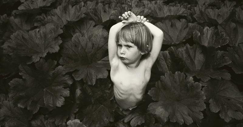 Лучшие детские фото в черно-белых тонах