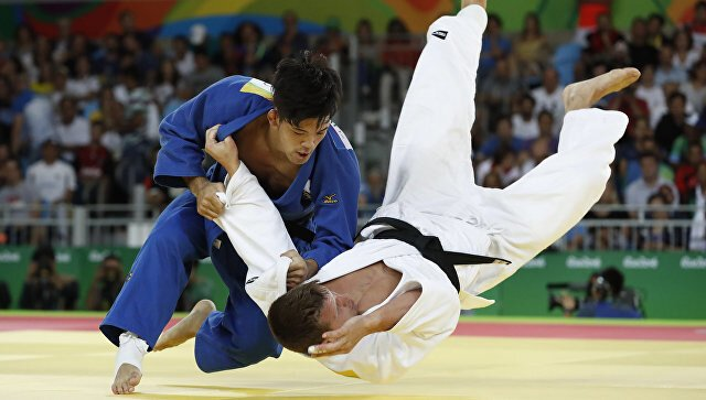 Бронзового призера Олимпиады по дзюдо избили на пляже в Рио