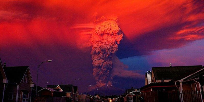Извержение чилийского вулкана Кальбуко - убийственная красота