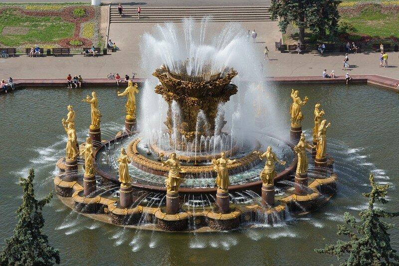 Сколько денег ежемесячно извлекают из фонтанов ВДНХ?