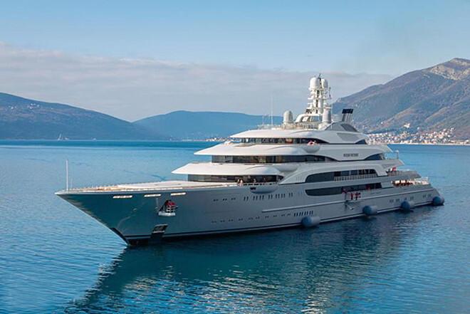 Форбс показал яхты русских депутатов и олигархов